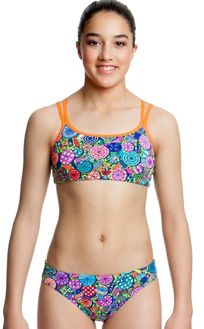maillot-de-bain-fille-14-ans-colore-au-maximum-resized
