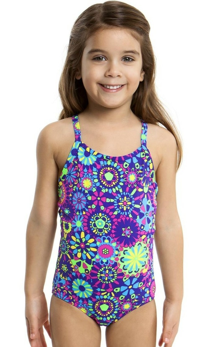 maillot-de-bain-fille-France-natation-modele-Funkita-resized