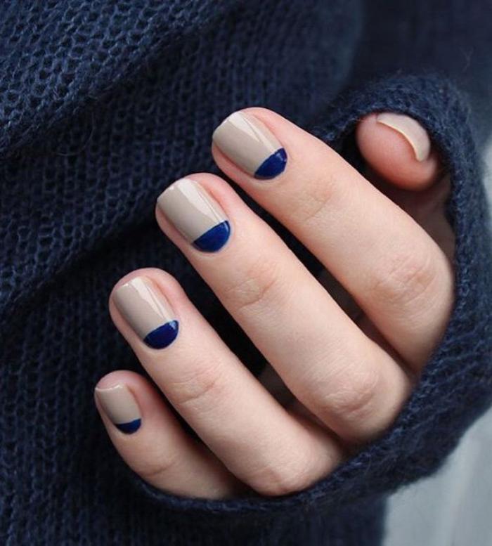manucure-demi-lune-couleurs-nude-et-bleu