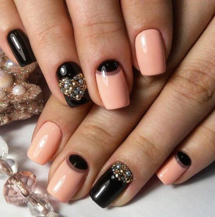 manucure-demi-lune-joli-nail-art-en-noir-et-orange