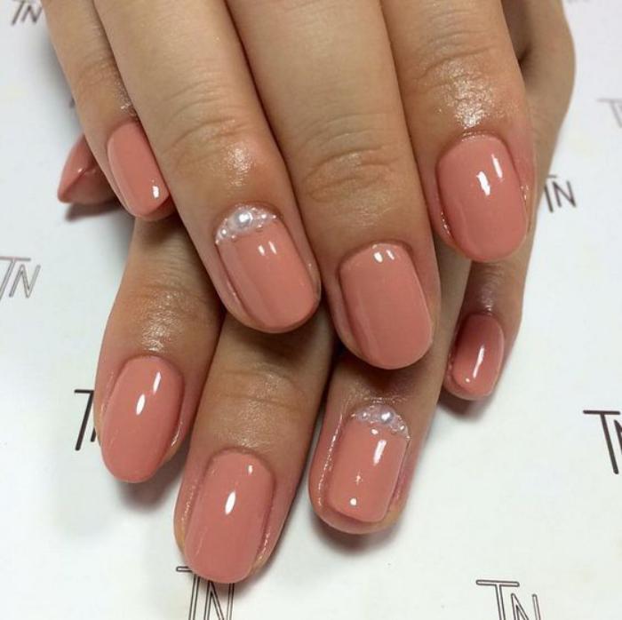 manucure-en-couleur-nude-quel-nail-art-couleur-nude