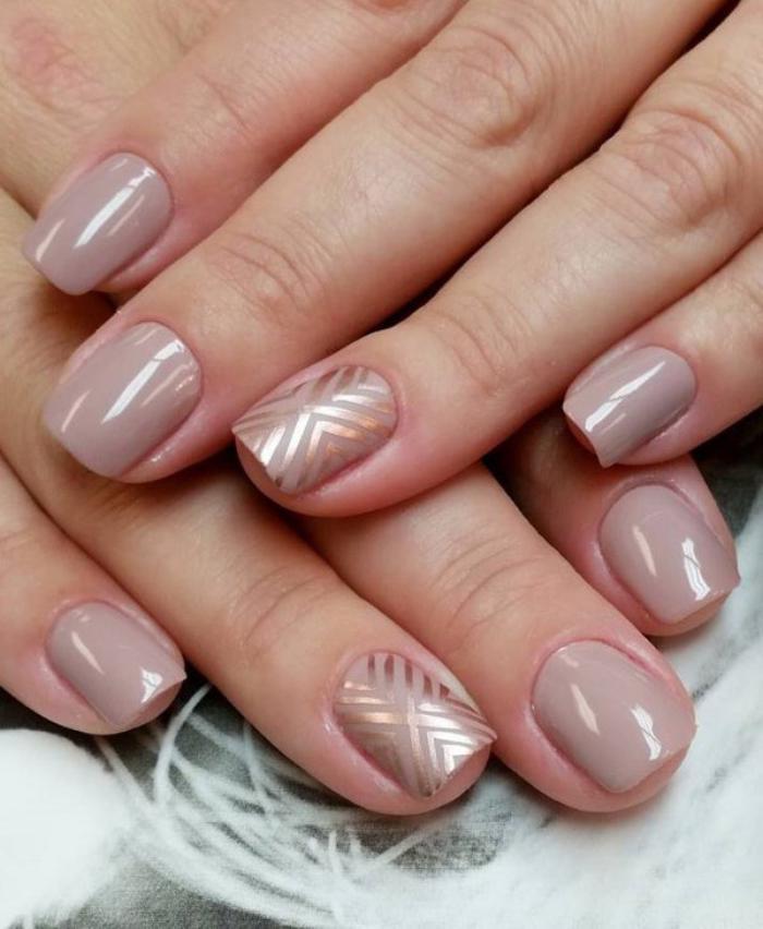 manucure-en-couleur-nude-déco-nails-fil-autocollant