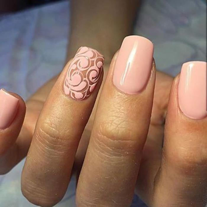manucure-en-couleur-nude-manucure-de-mariée-rose-nude