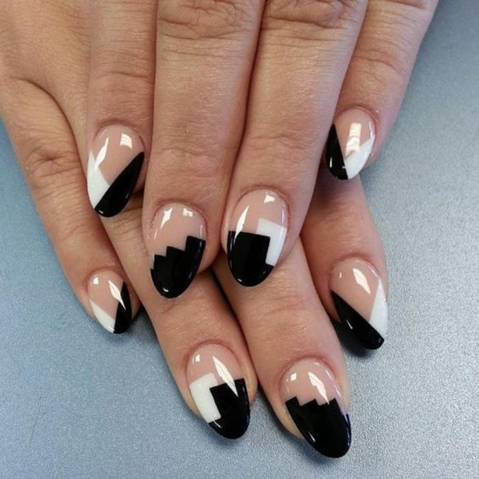 manucure-en-couleur-nude-nail-art-élégant-en-noir-et-blanc-sur-vernis-nude