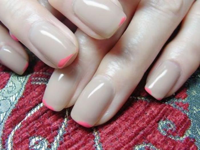 manucure-en-couleur-nude-nail-art-couleur-nude-et-rose
