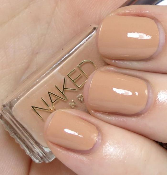 manucure-en-couleur-nude-naked-nails-nail-art