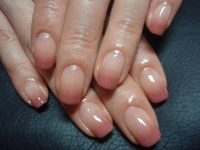 manucure-en-couleur-nude-ombr-french-nude-manucure