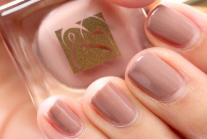 manucure-en-couleur-nude-tendance-nail-art-nude