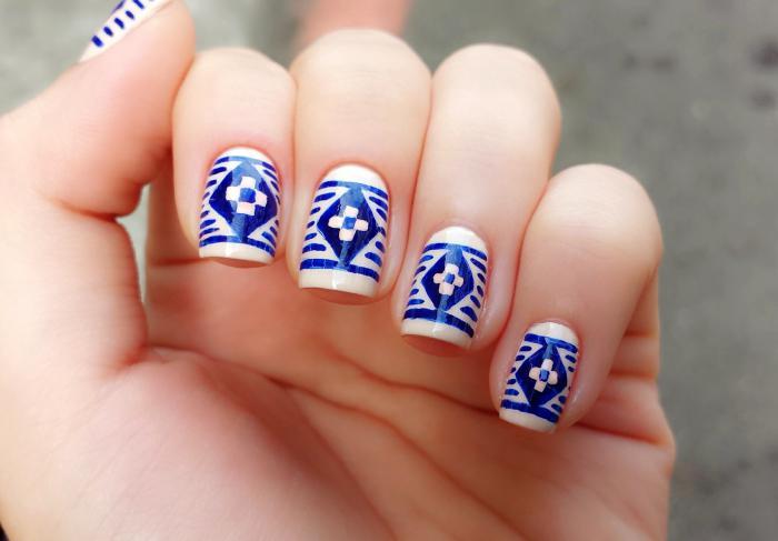 Essayez la manucure graffiti – plusieurs idées et produits pour votre nail art réussi