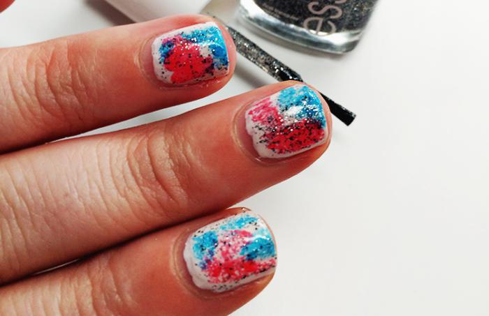 manucure-graffiti-nail-art-d'été-couleurs-vives