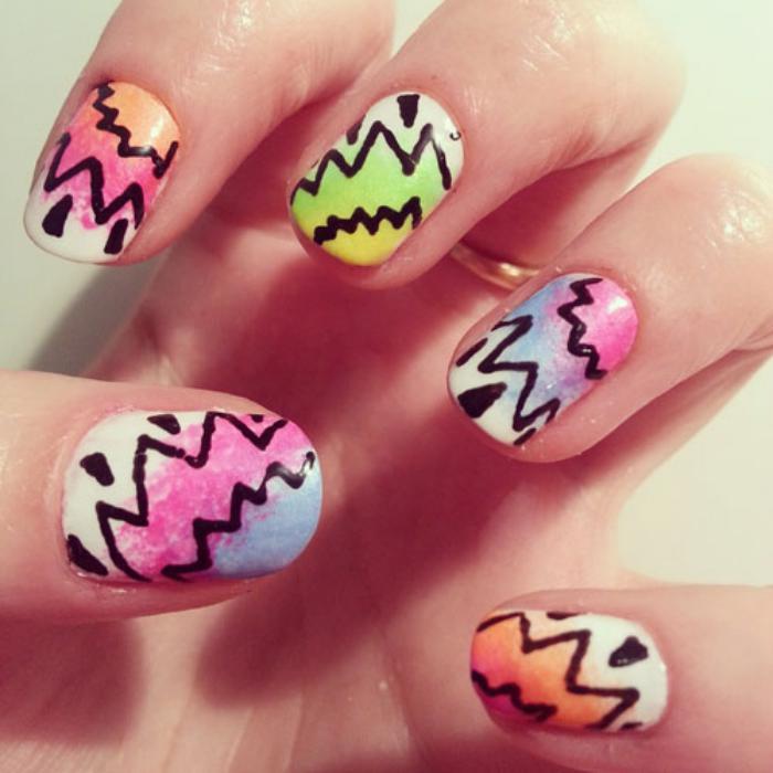 manucure-graffiti-nail-art-funky-en-couleurs-magnifiques