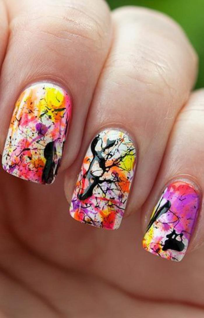 manucure-graffiti-nail-art-graffiti-abstrait