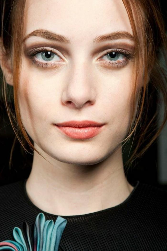 maquillage-naturel-discret-yeux-bleus-comment-se-maquiller-les-yeux-bleus
