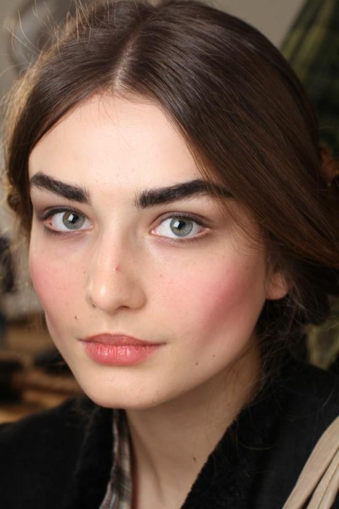 Modele maquillage yeux trendy pour avoir de beaux yeux ptillants leur maquillage doit suachever - Maquillage naturel yeux vert ...