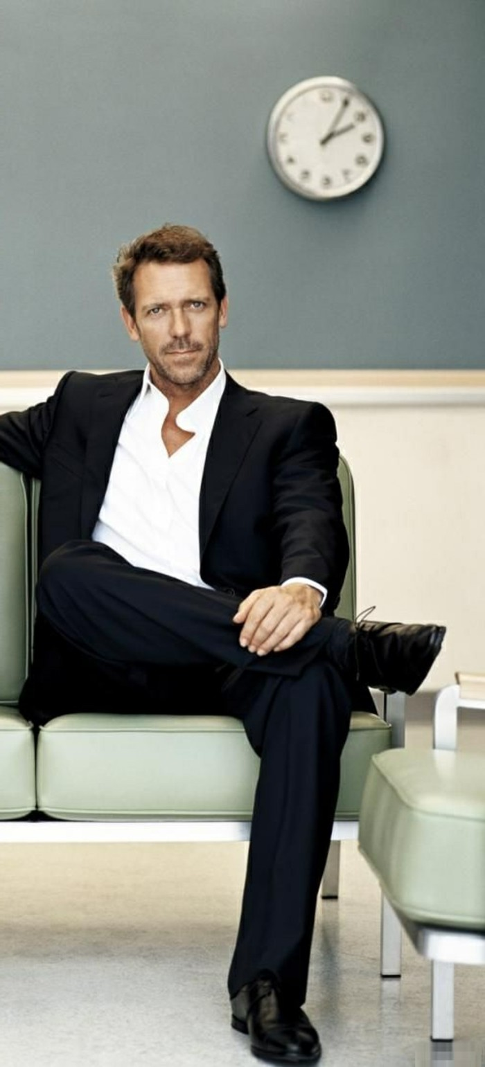meilleur-costume-cravate-costume-blanc-homme-hugh-laurie
