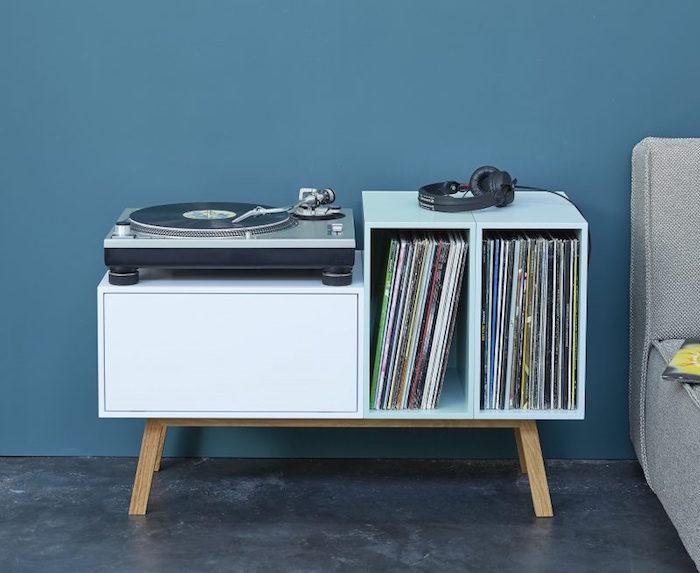 meuble vinyle 35 id es design et pratiques pour votre collection. Black Bedroom Furniture Sets. Home Design Ideas