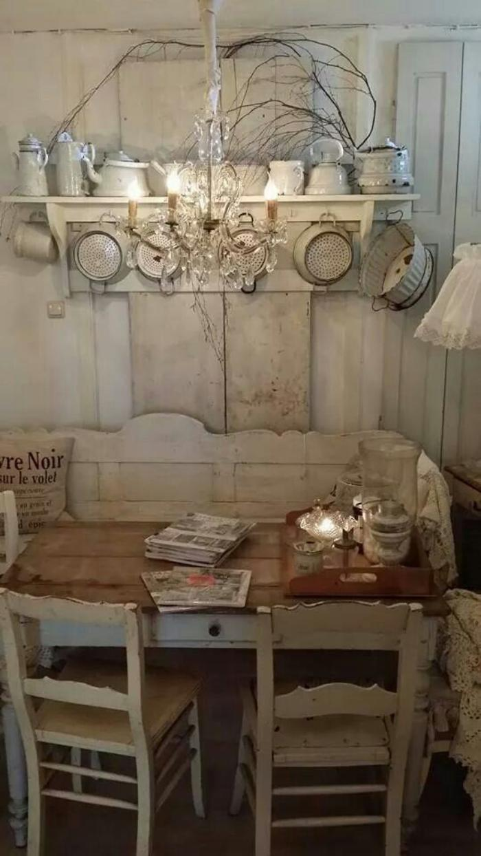 ambiance shabby chic table cuisine retro cuisine retro vintage ambiance vintage ambiance with. Black Bedroom Furniture Sets. Home Design Ideas