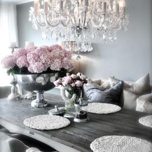Déco et meubles shabby chic dans la salle à manger - comment créer une atmosphère vintage élégante?