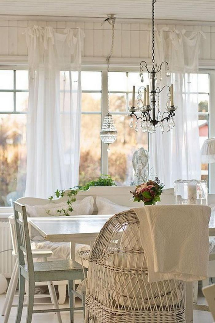 meubles-shabby-chic-style-shabby-chic-chandelier-charmant