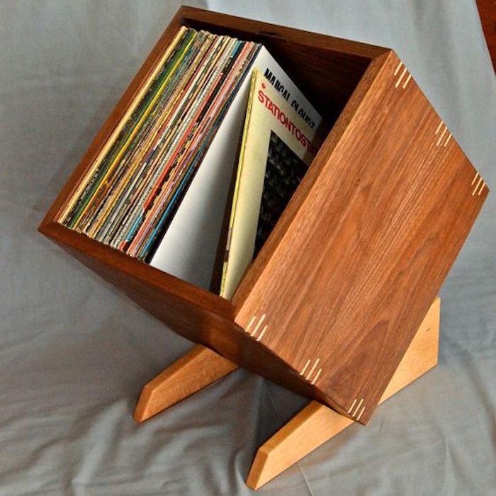 Meuble vinyle 35 id es design et pratiques pour votre - Papier vinyl autocollant pour meuble ...