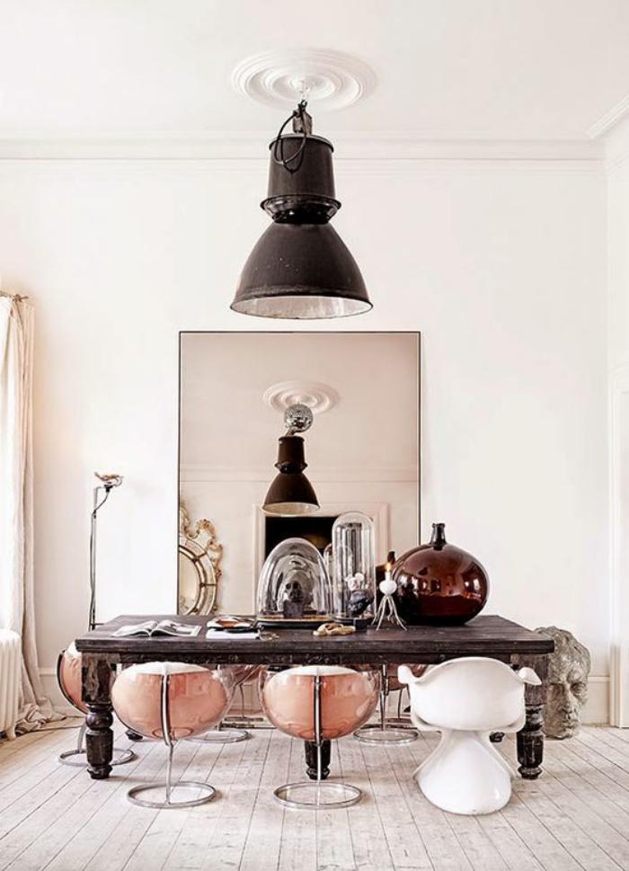 miroir-design-décorer-avec-des-grands-miroirs-design
