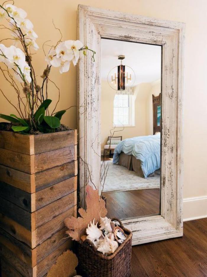 Comment r aliser une belle d co avec un miroir design for Grand miroir encadrement bois