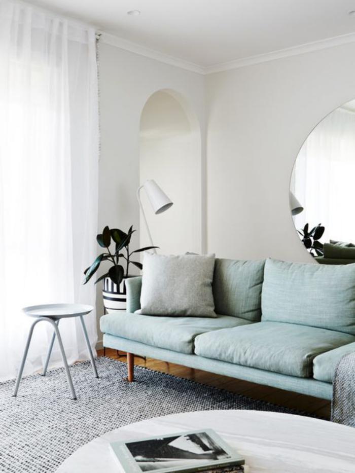 miroir-design-miroir-rond-dans-la-salle-de-vie