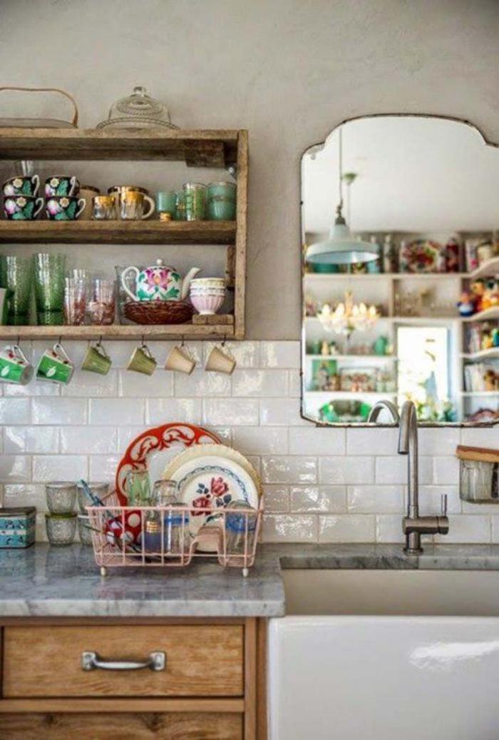 Comment r aliser une belle d co avec un miroir design - Stickers miroir cuisine ...