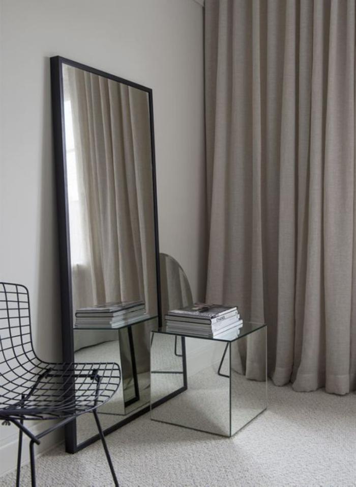 comment r aliser une belle d co avec un miroir design. Black Bedroom Furniture Sets. Home Design Ideas