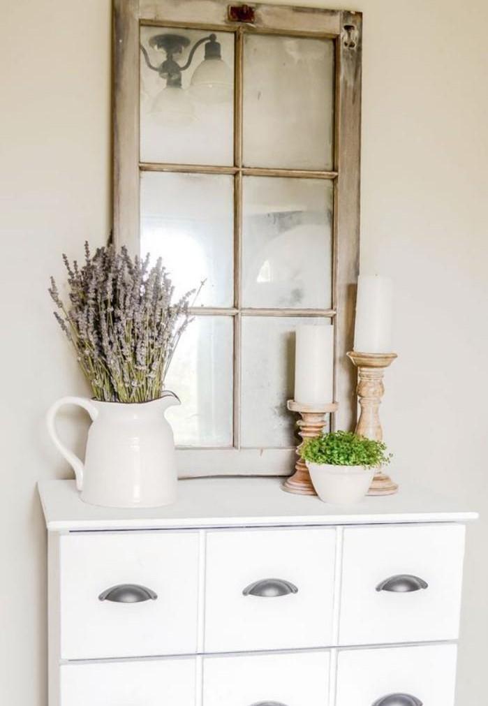 miroir-fenêtre-bois-patiné-commode-console-blanche