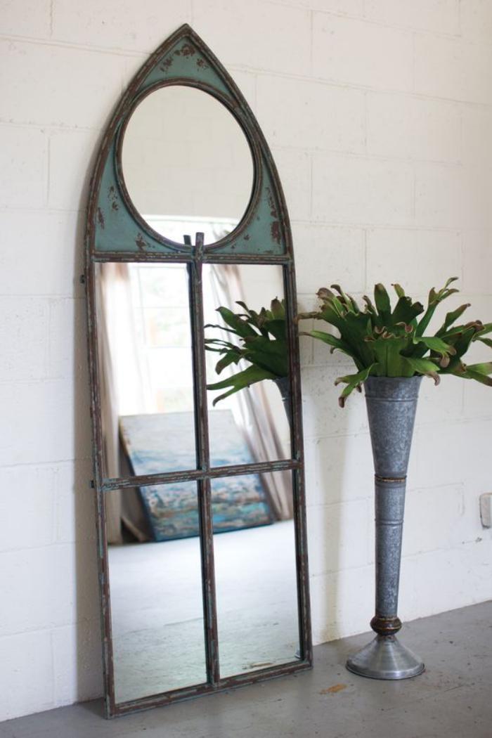 miroir-fenêtre-design-fenetre-ancienne-cadre-métal