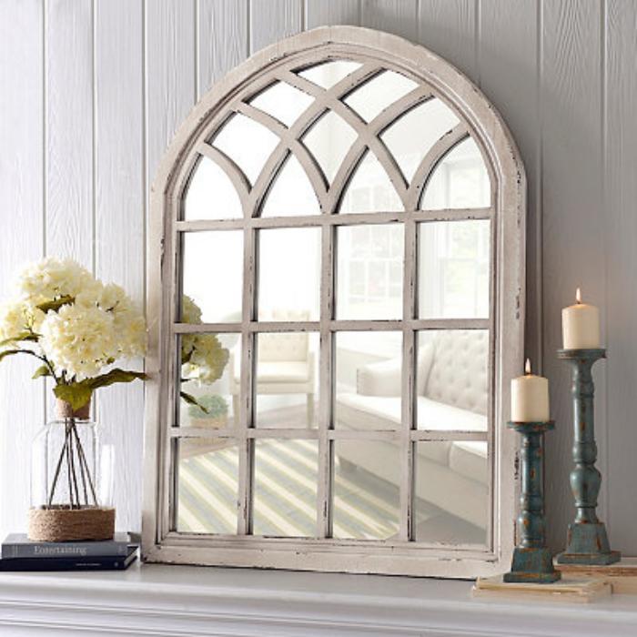 miroir-fenêtre-miroir-fenetre-bois-et-deux-bougeoirs-vieillis-vintage