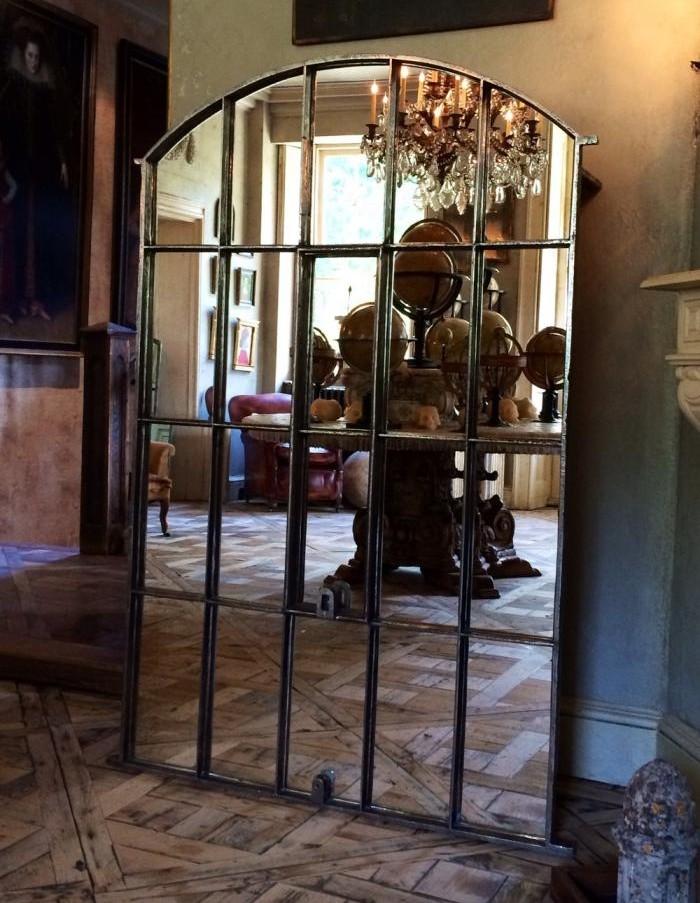 miroir-fenêtre-style-ancien-en-fer-forgé