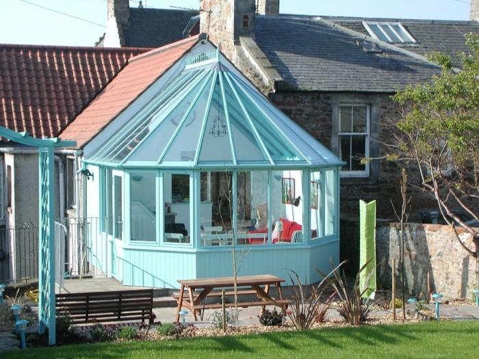 modele-veranda-en-bois-peinture-veranda-en-bleu-modele-de-veranda-gain-de-place