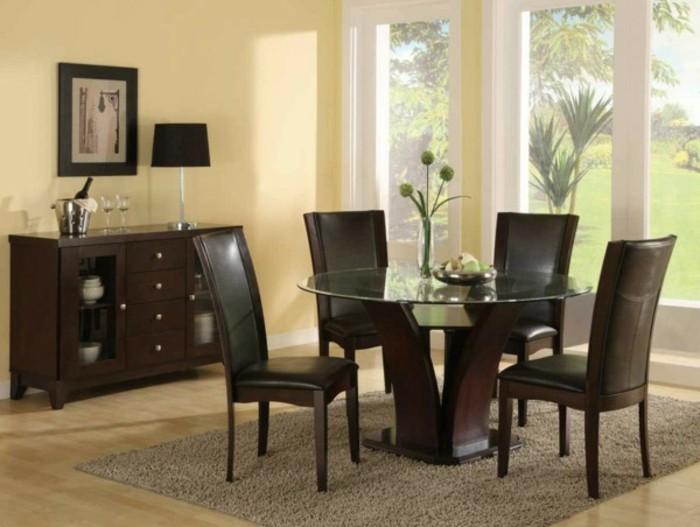 peinture-salle-à-manger-jaune-table-en-bois-et-verre-chaises-en-bois-et-cuir-salle-à-manger-lumineuse