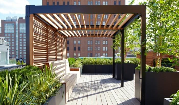 pergola-moderne-en-bois-et-aluminium-instalée-sur-le-toit-d-un-bâtiment-une-vértiable-oasis-dans-un-milieu-urbain