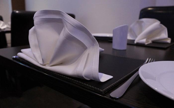 pliage-de-serviette-en-papier-noel-Pliage-de-serviette-pour-noel