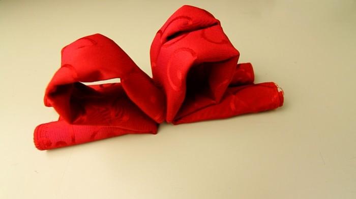 pliage-serviete-papier-pour-noel-Pliage-de-serviette-pour-noel