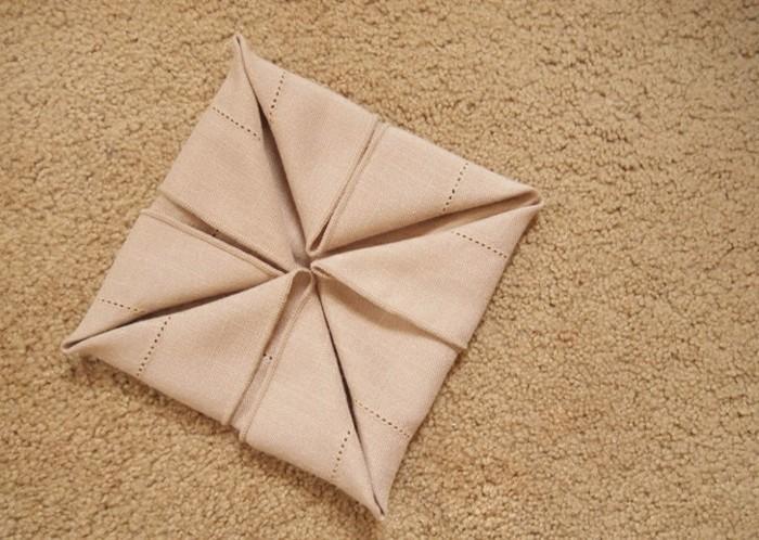 pliages-serviettes-noel-serviette-noel-