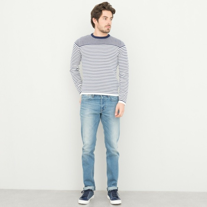 pull-pour-homme-moderne-rayé-bleu-et-blanc-resized