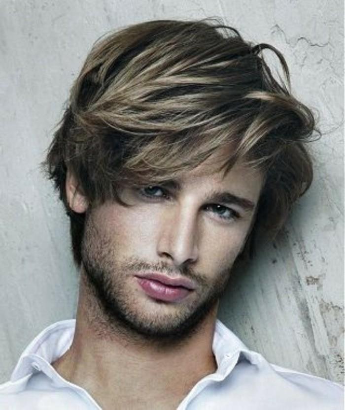 Coiffures longues pour hommes si cheveux Г©pais