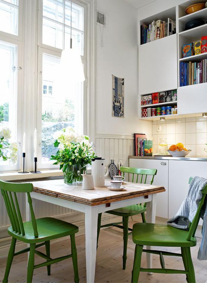 salle-à-manger-scandinave-coin-de-déjeuner-dans-la-cuisine