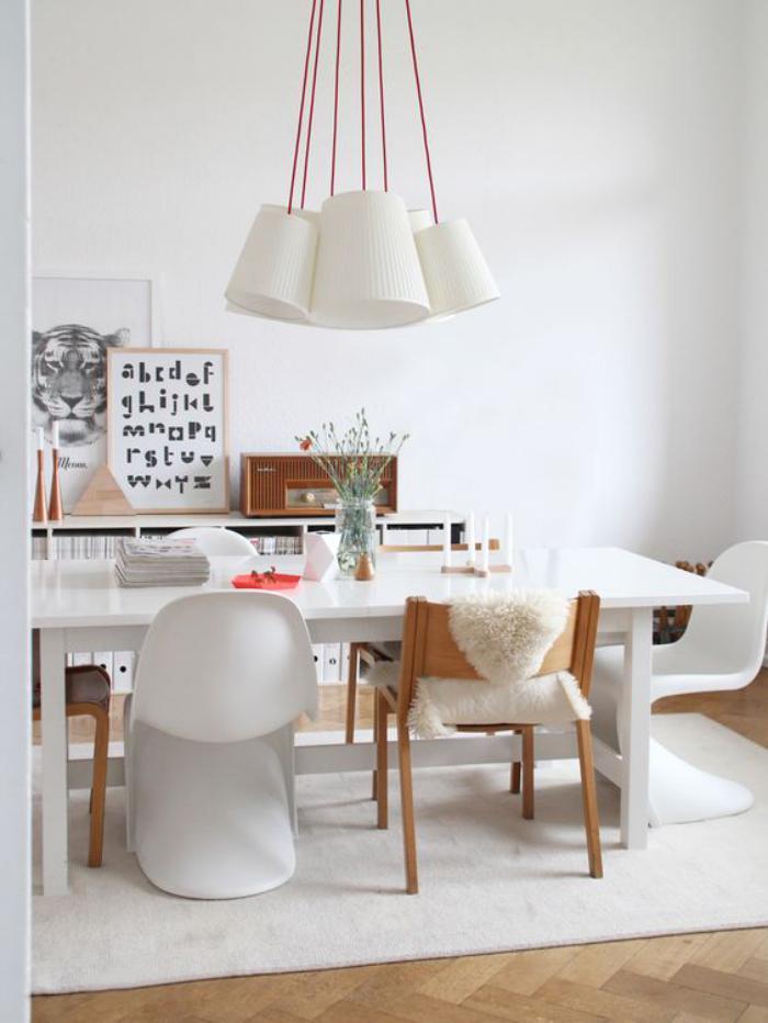 salle-à-manger-scandinave-intérieur-déco-bois-et-blanc