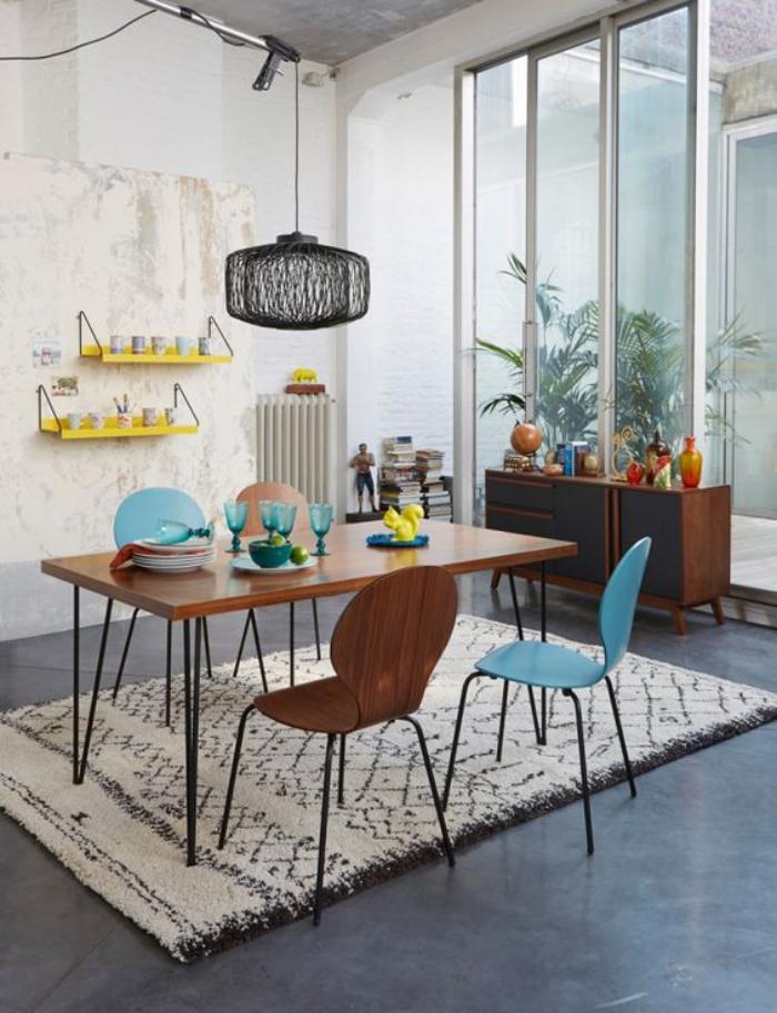 salle-à-manger-scandinave-table-à-manger-bois-et-métal