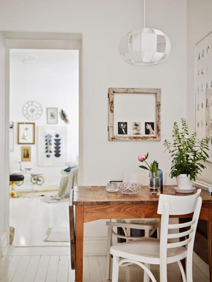 salle-à-manger-scandinave-table-à-manger-pliante-chaises-vintage