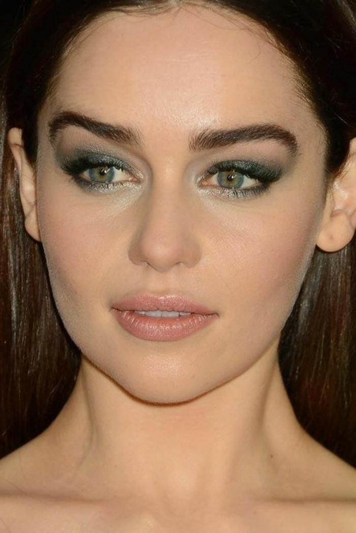 smokey-eye-yeux-bleus-fard-a-paupiere-yeux-bleus-apprendre-a-se-maquiller