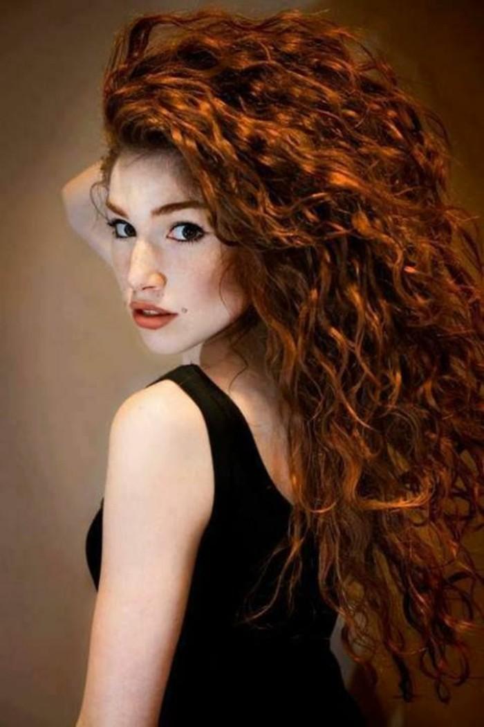 super-coupe-de-cheveux-tendance-mode-couleur-blond-foncé-couleurs-de-cheveux-