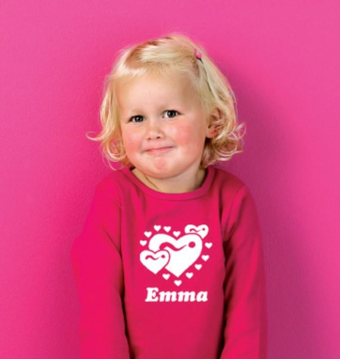 t-shirt-personnalisé-enfant-en-fuchsia-Emma-Simplycolors-resized