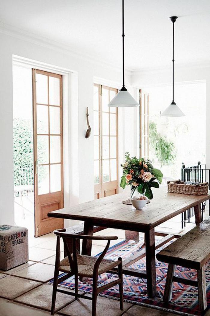 table-avec-banquette-salle-à-manger-style-rustique