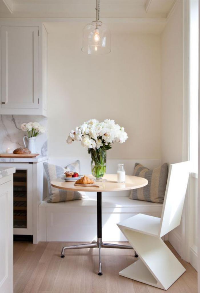 Pourquoi choisir une table avec banquette pour la cuisine for Petite table ronde cuisine